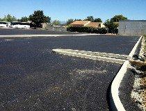 Parking poids lourd en enrobé et bordure
